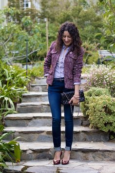 Purple tweed outfit for work - blue blouse, jeans, metallic heels, and burgundy textured blazer Tweed Blazer Outfit, Blazer Outfits For Women, Casual Work Outfits, Blouse Outfit, Stylish Outfits, Blue Blouse, Tweed Jacket, Spring Fashion Outfits, Fall Winter Outfits