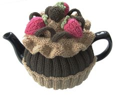 The chocolate cupcake tea cosy knitting pattern and knitting workshop