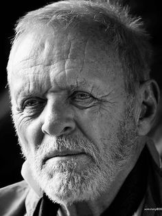 Anthony Hopkins – Welsh actor of film, stage, and television, and a composer and painter. Photo by Melvin Sokolsky Famous Men, Famous Faces, Famous People, Sir Anthony Hopkins, Cinema Tv, Old Faces, Character Portraits, Male Portraits, Celebrity Portraits