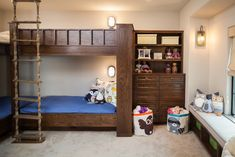 17 Dreamy Rustic Kids' Room Ideas That Will Provide Entertainment To Your Children - Weltx Bunk Bed Rooms, Bunk Beds, Small Room Bedroom, Bedroom Decor, Rustic Kids Rooms, Baby Quilts, Your Child, Home And Family, Interior Design