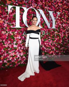 NEW YORK, NY - JUNE 10: Laurie Metcalf attends the 72nd Annual Tony Awards at Radio City Music Hall on June 10, 2018 in New York City. (Photo by Larry Busacca/Getty Images for Tony Awards Productions)