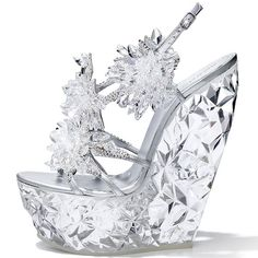 Swarovski Elements-CasadeI Let's not forget my glass slipper Unique Shoes, Cute Shoes, Me Too Shoes, Glass Slipper, Shoe Closet, Crazy Shoes, Mode Style, Swagg, Beautiful Shoes