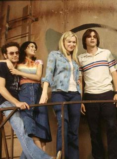(1) danny masterson   Tumblr Movie Shots, I Movie, 70s Party Outfit, Michael Kelso, Eric Forman, Donna Pinciotti, Thats 70 Show, 70s Aesthetic, Laura Prepon