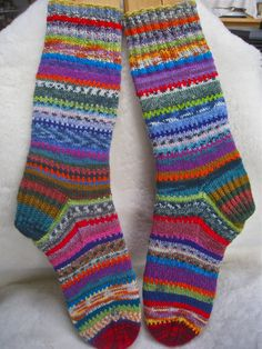 Mostly about knitting and spinning cause that's what I do. Filet Crochet, Knit Crochet, Crazy Socks, Knitting Socks, Mittens, Arts And Crafts, Crafty, Knits, Blog
