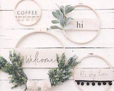 Items similar to Modern Boho Embellished Embroidery Hoop Wreath// Spring Wreath// Custom Wreath// wall decor// wall art// Front Door Wreath// Wedding Decor on Etsy - DIY - Blumenkranz Front Door Decor, Wreaths For Front Door, Letter Door Wreaths, Front Doors, Embroidery Hoop Crafts, Modern Wreath, Diy Wall Decor, Room Decor, Summer Wreath