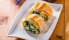 Spinat-Käse-Strudel Spanakopita, Ethnic Recipes, Food, Hay, Milk, Kochen, Food Food, Food Recipes, Meal