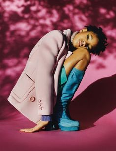 willow-smith-fluorescent-adolescent-body-image-1438617911