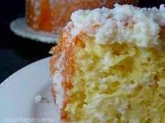 Em vez de untar a forma de bolo com farinha de trigo, use aveia, farinha de rosca ou farelo de trigo.Além de saúdavel, o bolo adquire uma textura diferente.