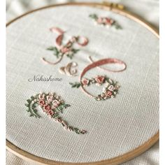Wonderful Ribbon Embroidery Flowers by Hand Ideas. Enchanting Ribbon Embroidery Flowers by Hand Ideas. Embroidery Alphabet, Embroidery Monogram, Hand Embroidery Patterns, Embroidery Applique, Cross Stitch Embroidery, Embroidery Designs, Ribbon Embroidery Tutorial, Silk Ribbon Embroidery, Brazilian Embroidery