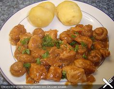 Put goulash easy and fast- Putengulasch einfach und schnell Put goulash easy and fast - Pork Recipes, Baby Food Recipes, Healthy Recipes, Healthy Eating Tips, Healthy Nutrition, Easy Cooking, Cooking Recipes, Love Food, Food To Make
