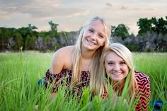 www.leslieavilaphotography.com #2014#Sisterposes #sisters #photographyposes #Austin #Texas #lifestylephotography