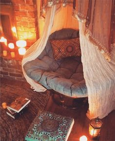 Blog post of cozy reading nooks & what makes them special.