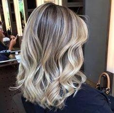 Medium Blonde Hairstyle - 40 Beautiful Blonde Balayage Looks - The Trending Hairstyle Balayage Hair Blonde, Brown Blonde Hair, Brunette Hair, Different Blond, Hair Color 2017, Ombre Highlights, Super Hair, Gorgeous Hair, Hair Looks