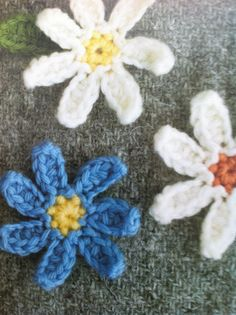 #crochet daisies in Simply Adorable Crochet: 40 of the Cutest Projects Ever by Maki Oomachi