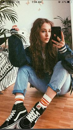 53 hipster outfits for moms outfits grunge outfits, punk outfits, mom outfits Look Fashion, 90s Fashion, Fashion Outfits, Fashion Ideas, Hipster Fashion, Daily Fashion, Fashion Clothes, Converse Fashion, Fashionable Outfits