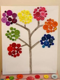 Reggio inspired children--would be beautiful with bottle caps too- what else could they design with buttons Kids Crafts, Diy And Crafts, Arts And Crafts, Paper Crafts, Button Crafts For Kids, Kindergarten Art, Preschool Art, Art Projects, Projects To Try