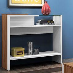 O aparador é uma ótima peça para complementar ambientes e armazenar objetos decorativos. A peça se encaixa principalmente, na sala de estar e corredores.