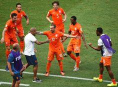 Louis van Gaal's #NED side scored two late goals to beat #MEX 2-1 on Sunday and reach the World Cup quarter-finals.