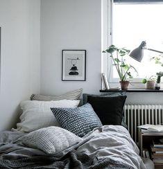 Cozy home in natural tints - via Coco Lapine Design Cozy Bedroom, Bedroom Apartment, Bedroom Decor, Bedroom Signs, Bedroom Rustic, Bedroom Ideas, Rustic Bedding, Design Bedroom, Bedroom Lighting