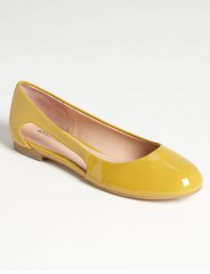 Love the style/shape of these, but I want them in Red or Teal. (Mustard Ballet Flats)