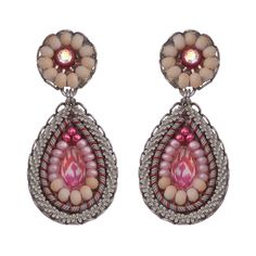Ayala Bar Gogi Pearls Petal Earrings, part of our full line of Ayala Bar jewelry and the Ayala Bar Spring 2020 collection. Jewelry Trends, Jewelry Accessories, Glasses For Your Face Shape, Ayala Bar, Artist Card, Bar Gifts, Celebrity Jewelry, Bar Earrings, Jewellery Display