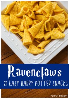 Ravenclaws: 1 of 21 super easy Harry Potter snacks for the best Harry Potter party ever. Host the ultimate Harry Potter party in a pinch! These magical no-cook Harry Potter snacks and treats can be grabbed from the store in seconds. Harry Potter Snacks, Baby Harry Potter, Harry Potter Movie Quotes, Harry Potter Motto Party, Harry Potter Fiesta, Harry Potter Baby Shower, Harry Potter Halloween, Harry Potter Recipes, Harry Potter Themed Party