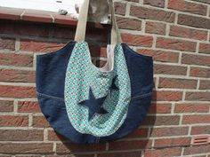 Tasche z.T. aus alter Jeans / Bag partly made from old pair of jeans / Upcycling