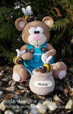 Häkelanleitung für Honigbär mit Bienen / diy crochet instruction: bear with honey pot and bees by Mala-Designs via DaWanda.com