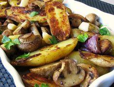 Мягкая ароматная картошка с грибами, луком и чесноком, запеченная в духовке на оливковом масле