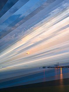 Série de colagens fotográficas, criadas pelo fotógrafo natural de Cingapura Fong Qi Wei, intitulado Time is a Dimension, onde trás paisagens urbanas fragmentadas, com capturas de horários diferentes.