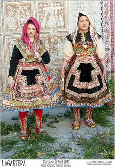 Europe | Portrait of two women wearing traditional clothes, embroidery feast Corpus Christi 2013, Lagartera, Toledo, Spain | © José María Moreno García