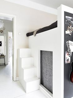 ♥Black and White small spaces bedroom barefootstyling.com