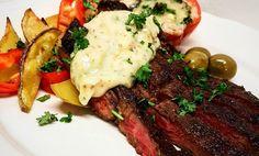 En riktigt god köttbit med underbar senapskräm är aldrig fel till helgens middag. Steak, Mat, Food, Meals, Steaks, Beef