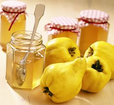 Learn how to make and prepare the recipe for Marmalatha Kythoni, also known as quince marmalade or jam. Jam Recipes, Canning Recipes, Greek Recipes, Snack Recipes, Dessert Recipes, Quince Jam Recipe, Quince Fruit, Greek Cookies, Mayonnaise