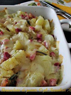 Sbriciolata di patate al forno con pancetta e provola affumicata