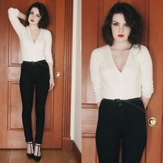 red lip high waisted jeans-basic but classy
