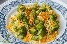 Salata calda de brocoli, morcov si telina - Arome de poveste Raw Vegan, Goodies, Vegetarian, Diet, Vegetables, Food, Salads, Sweet Like Candy, Treats