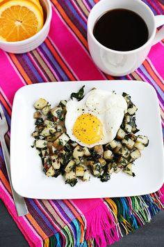 Kale and potato breakfast hash in 16 farm-fresh recipes Breakfast Hash, Breakfast Potatoes, Breakfast Recipes, Breakfast Ideas, Country Breakfast, Paleo Breakfast, Easy Healthy Recipes, Whole Food Recipes, Diet Recipes