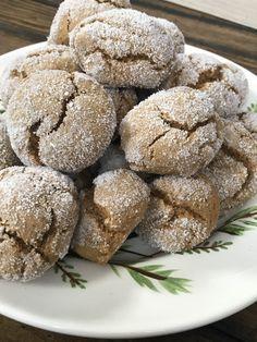 Two Point Soft Ginger Cookies - Pound Dropper Ww Desserts, Weight Watchers Desserts, Dessert Recipes, Chef Recipes, Cookie Recipes, Keto Recipes, Soft Ginger Cookies, Cookies Soft, Healthy Desserts