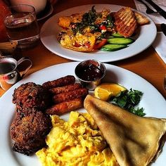 """""""Omelette and sausage egg plate"""" at Blue Daisy Cafe by Rogue! - Tag your favorite #toplarestaurants #bluedaisycafe #toprestaurantsgroup #larestaurant #larestaurants lafoodie #laeats #lafood #lafoodporn #gourmet #gourmetfood #bonappetit #cheflife #cuisine #chef #foodpic #foodpics #foodie #eat #hungry #lunch #dinner #food #instafood #vsco #vscocam #vsco_hub #vsco_best #bestofvsco #f52grams"""