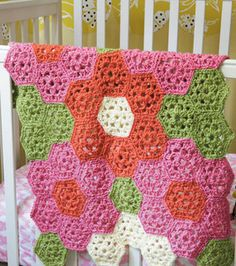 Patchwork type crochet afghan. I adore this, oh the colour possibilities. Freebie pattern, thanks so xox
