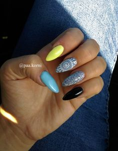 mandala nails, blue, yellow, grey, black, silver #hybridnails #longnails #nailart #semilac Mandala Nails, Long Nails, Blue Yellow, Black Silver, Nailart, Grey, Beauty, Gray, Beauty Illustration