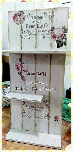 Repisa de machimbre, con técnica transferencia, stencil y patina Decoupage Vintage, Decoupage Wood, Diy Arts And Crafts, Creative Crafts, Wood Crafts, Diy Projects To Try, Wood Projects, Antique Shelves, Planner Tips
