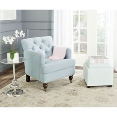 Safavieh Furniture - Evoking classic elegance, the Colin club chair in sky blue linen upholstery is a timeless design that complements traditional and transitional furnishings. New Living Room, Living Room Chairs, Living Spaces, Dining Room, Club Chairs, Accent Chairs, Light Blue Accent Chair, Diy, Home Decor