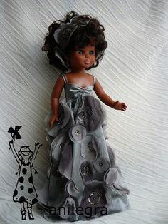 Pram Toys, Nancy Doll, Cute Dolls, Fashion Dolls, Doll Clothes, Facebook, Crafts, Baby Dolls, Barbie Costumes