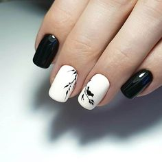 Looking for easy nail art ideas for short nails? Look no further here are are quick and easy nail art ideas for short nails. Chic Nails, Stylish Nails, Fun Nails, Two Color Nails, Nail Colors, White Nail Designs, Best Nail Art Designs, White Acrylic Nails, Black Nails