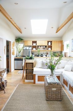 Photography : Whitney Lee Morris | Photography : Whitney Leigh Morris Read More on SMP: http://www.stylemepretty.com/living/2016/04/06/a-cottage-small-on-space-and-big-on-design-savvy/