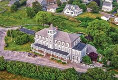 Hotel Manisses Newport Cliff Walk, New Shoreham, Things To Do Nearby, Travel Booking Sites, New England States, Romantic Getaways, Best Location, Rhode Island, Hotels And Resorts