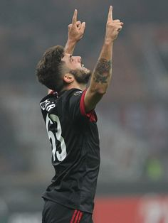 Patrick Cutrone of AC Milan celebrates his goal during the UEFA Europa League group D match between AC Milan and Austria Wien at Stadio Giuseppe Meazza on November 23, 2017 in Milan, Italy.