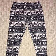 Victoria secret thermal pants! Super cute thermal VS leggings! Victoria's Secret Pants Leggings